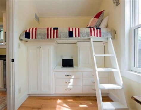 bureau peu encombrant lit pour enfant peu encombrant mezzanine sur 233 lev 233