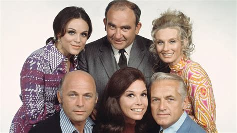 mary tyler moore 1970 episodes cast mary tyler moore show cast where are they now abc news