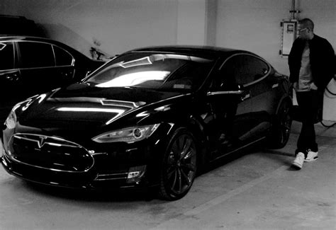 z tesla jayz with tesla model s electric car from beyonces website