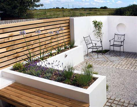 modern small backyard designs pflegeleichter kleingarten einrichten ideen f 252 r terrassen