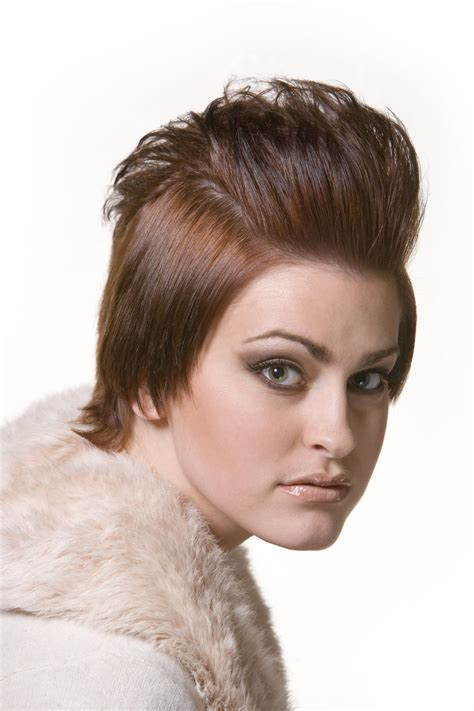 beautiful women with shot foreheads quick hairstyle faqs for people who carry small foreheads