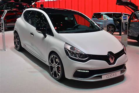 renault clio sport 2015 renault shows three models at 2015 goodwood moving motor show