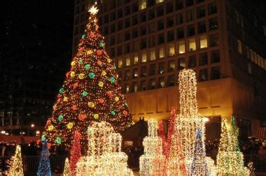 downtown christmas tree contenders can submit applications