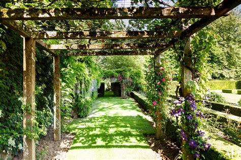 Trellis Architecture 18 Garden Trellises And Pergolas For Summer