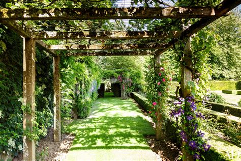 Teak Outdoor Armchairs 18 Garden Trellises And Pergolas Perfect For Summer