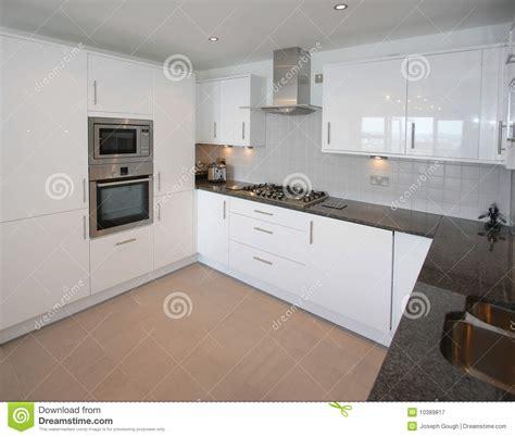 cuisine appartement int 233 rieur moderne de cuisine d appartement image stock