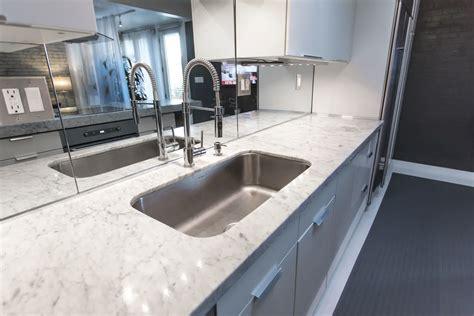 mirror backsplash to open up kitchen it will look as if modernit 195 175 194 191 194 189 luxe et el 195 175 194 191 194 189 gance by merlin bergeron