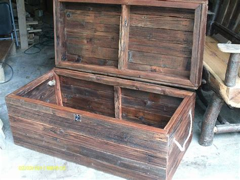 cedar log bench wood furniture pinterest handmade rustic log furniture reclaimed fenceboard chest trunk http handmadelogfurniture