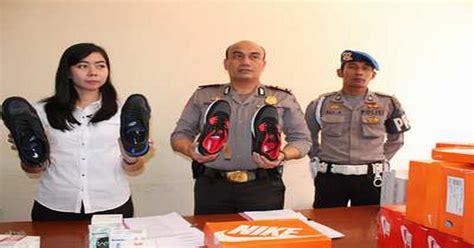 Sepatu Merk All ratusan sepatu tiruan merek nike dan all disita