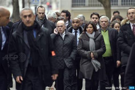 ministero degli interni roma indirizzo il ministro dell interno cazeneuve e il sindaco di parigi