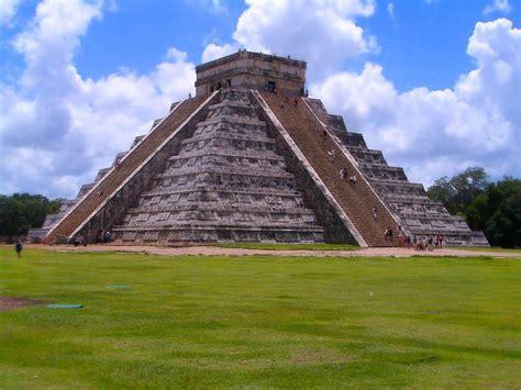 imagenes prehispanicas mayas la pir 225 mide de kukulc 225 n de aqu 237 a all 225