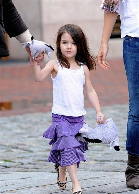 Tom Cruise Sign Suri Cruise As Baby Gap Model by Suri Cruise Hd Wallpapers High Definition Free