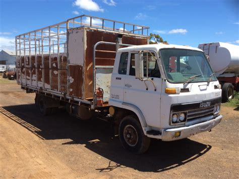 Truck Isuzu isuzu sbr422 truck truck tractor parts wrecking