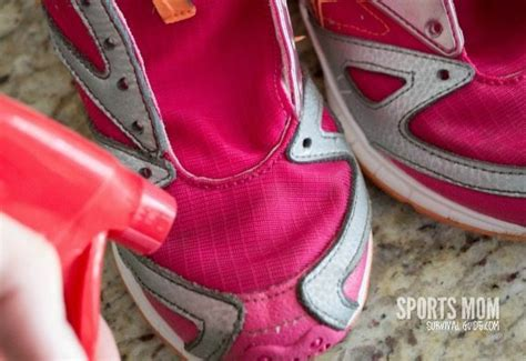 best way to clean athletic shoes the best way to clean tennis shoes