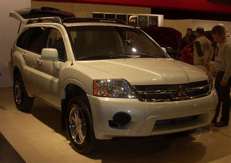 vehicle repair manual 2008 mitsubishi raider security system file 2008 mitsubishi endeavor montreal jpg wikimedia commons