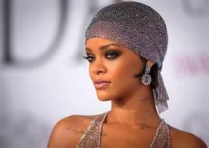 Rihanna apparent nude photos leaked on reddit 4chan 39 mowgli 39