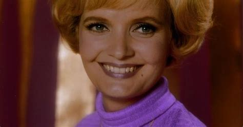 does florence henderson have thin hair carol brady florence henderson with her 1st season
