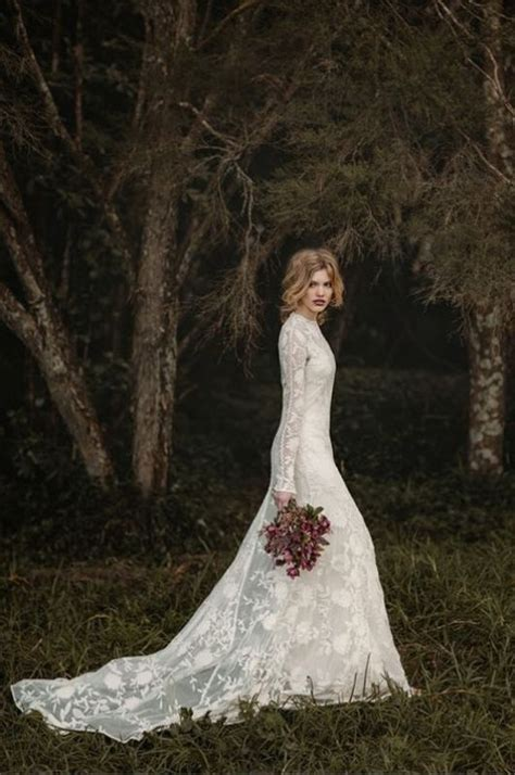 Stunning Wedding Pictures by Picture Of Stunning Wedding Dresses For A Traditional Ceremony