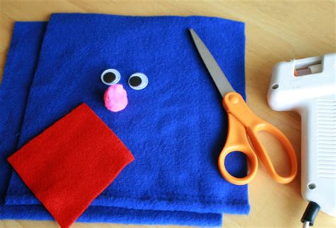 How To Make Handmade Puppets - crafty grover puppet make and takes