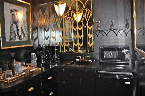 elvis presley bathroom sitting room picture of elvis presley s heartbreak hotel