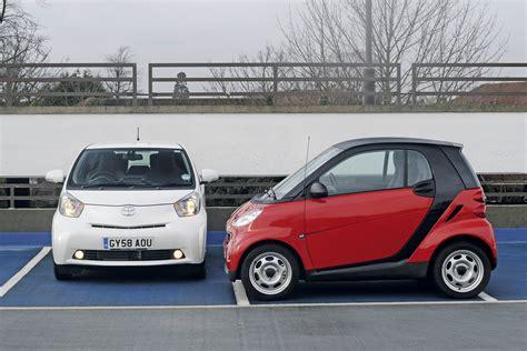 Toyota Smart Car Toyota Iq Vs Smart Fortwo Toyota Iq Vs Rivals Auto Express