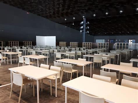 scrivanie bianche noleggio scrivania grande per conferenze