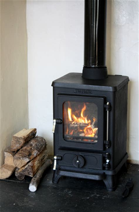 Wood Burner For Small Fireplace by Hobbit Small Wood Burning Stove Bell Savvysurf Co Uk