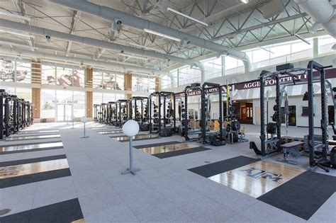 alabama football weight room not all sec weight rooms are created equal