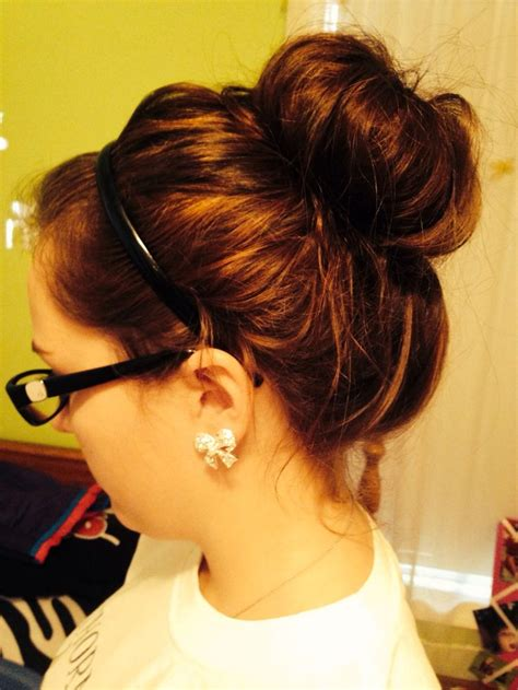 quick hairstyles buns quick and easy messy bun hairstyles sortashion