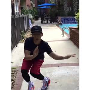 Swing Your Arms by Alexchickens S Vine Quot Get Low And Swing Your