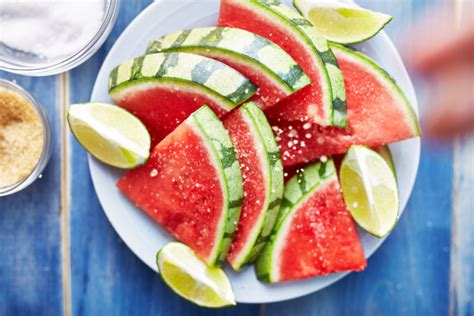what s the about sugar in fruit simplemost 10 surprising facts you may not about watermelon