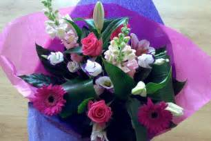 Flowers Online Daisy S Flowers Fabulous Flowers And Gifts Too