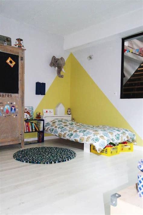 Wonderful Chambre Bebe Fille Orange  #5: 96d3e92f8eb8324b91573d7eb4e747ce--triangles-kids-rooms.jpg