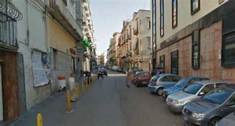banca credito popolare torre greco filiali torre greco cede un insegna che colpisce e ferisce