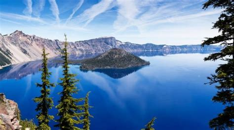 boat tour crater lake take the volcano boat tour at crater lake for an up close