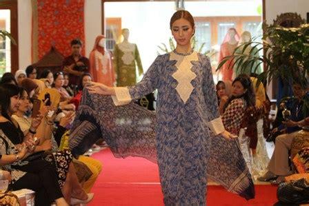Batik Danar Hadi Di Semarang foto batik danar hadi pamer di semarang feature jatengpos