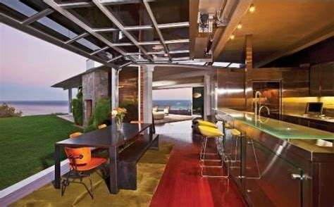 laste ned filmer the kitchen brad pitt lists malibu beach house for 13 75 million