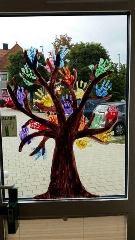 herbst fingerfarbe fenster fensterbild handabdr 252 cke kinder basteln