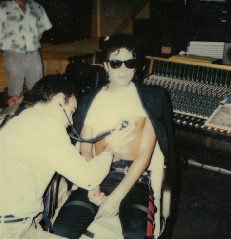 Michael Jackson Criminal Record He Records His Heartbeat For The Smooth Criminal Intro Michael Jackson Photo