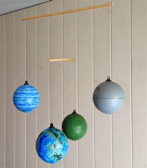 como hacer un movil de los planetas con reciclaje m 243