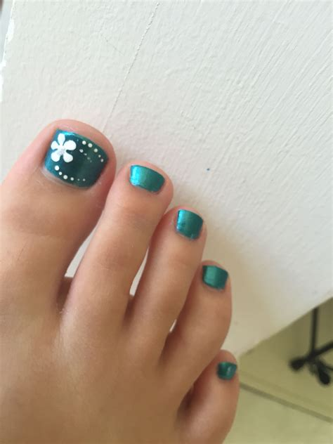 Pedicure Nails by Blue Toenails With Flower Nails Flower