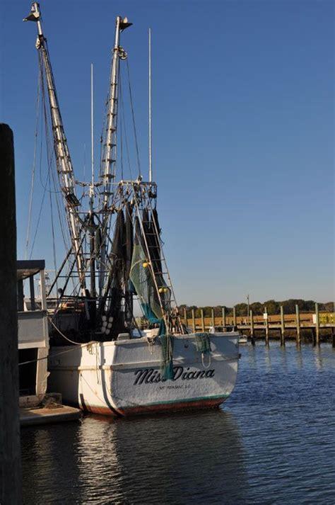 shem creek shrimp boats shrimp boat on shem creek charleston sc places