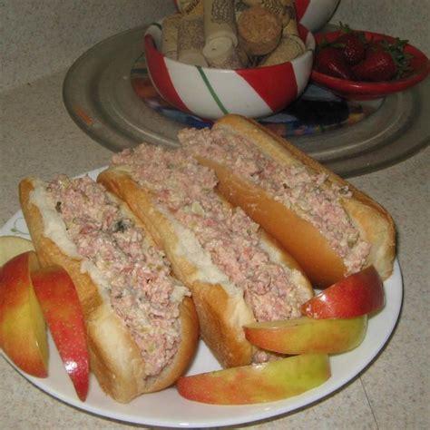 best bologna sandwich best 25 bologna sandwich ideas on bologna