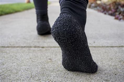running shoes socks skinners barefoot running socks review digital trends