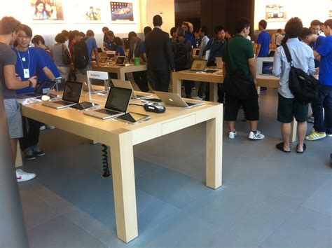 Table Shopping File Hk 中環 Central Ifc Mall 蘋果店 Apple Shop Interior Table