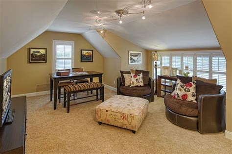bedroom above garage bonus room above garage i d want a king sized mattress beneath those windows layered with large