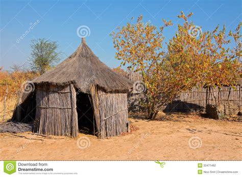 hutte nomade hutte africaine rurale photographie stock image 33471492