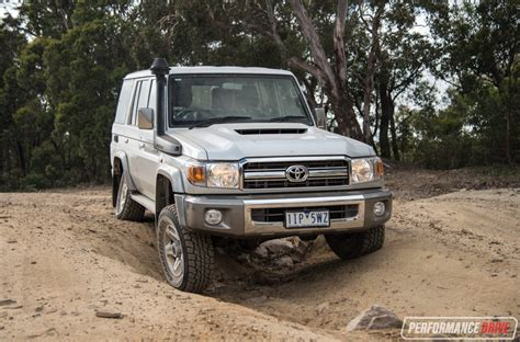 land cruiser 2017 2017 toyota landcruiser 70 series gxl wagon review video