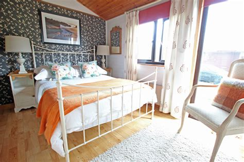 number of bedrooms the waterings kent holiday cottages