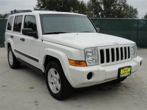 2006 Jeep Commander Specs 2006 Jeep Commander Data Info And Specs Gtcarlot